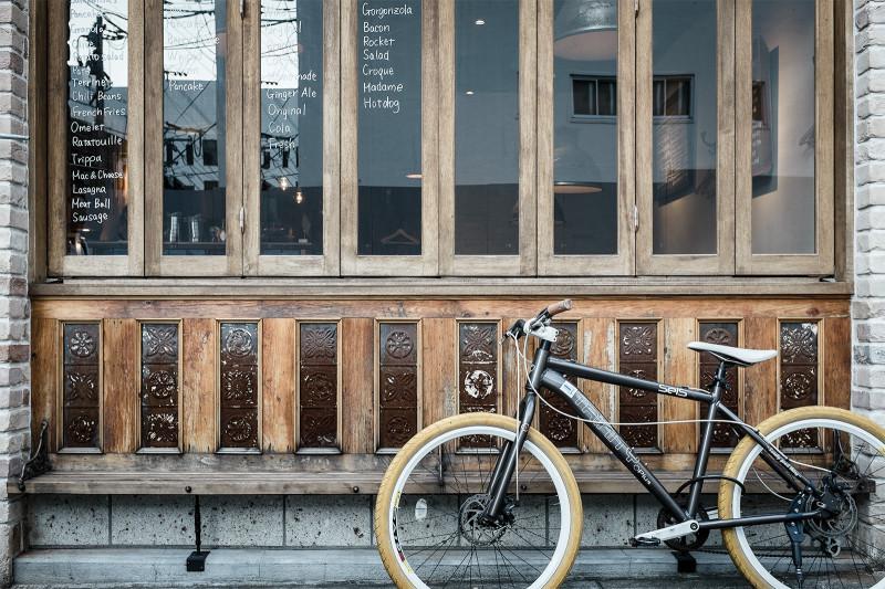 夏でも自転車をよく見かけます