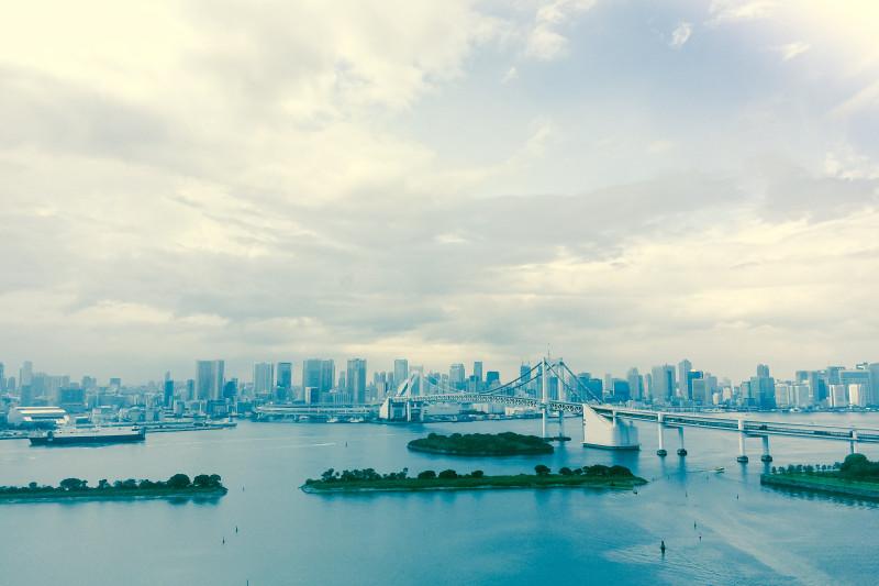 仕事中に見る海なら東京湾だって実に美しい