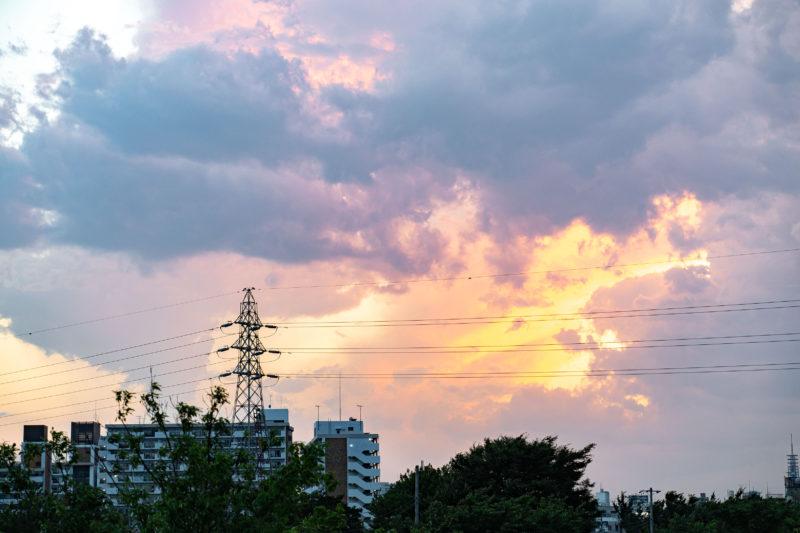 西東京の西の空